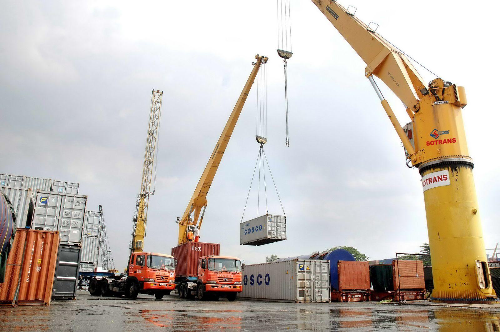 khai báo hải quan là nghiệp vụ không thể thiếu trong xuất nhập khẩu