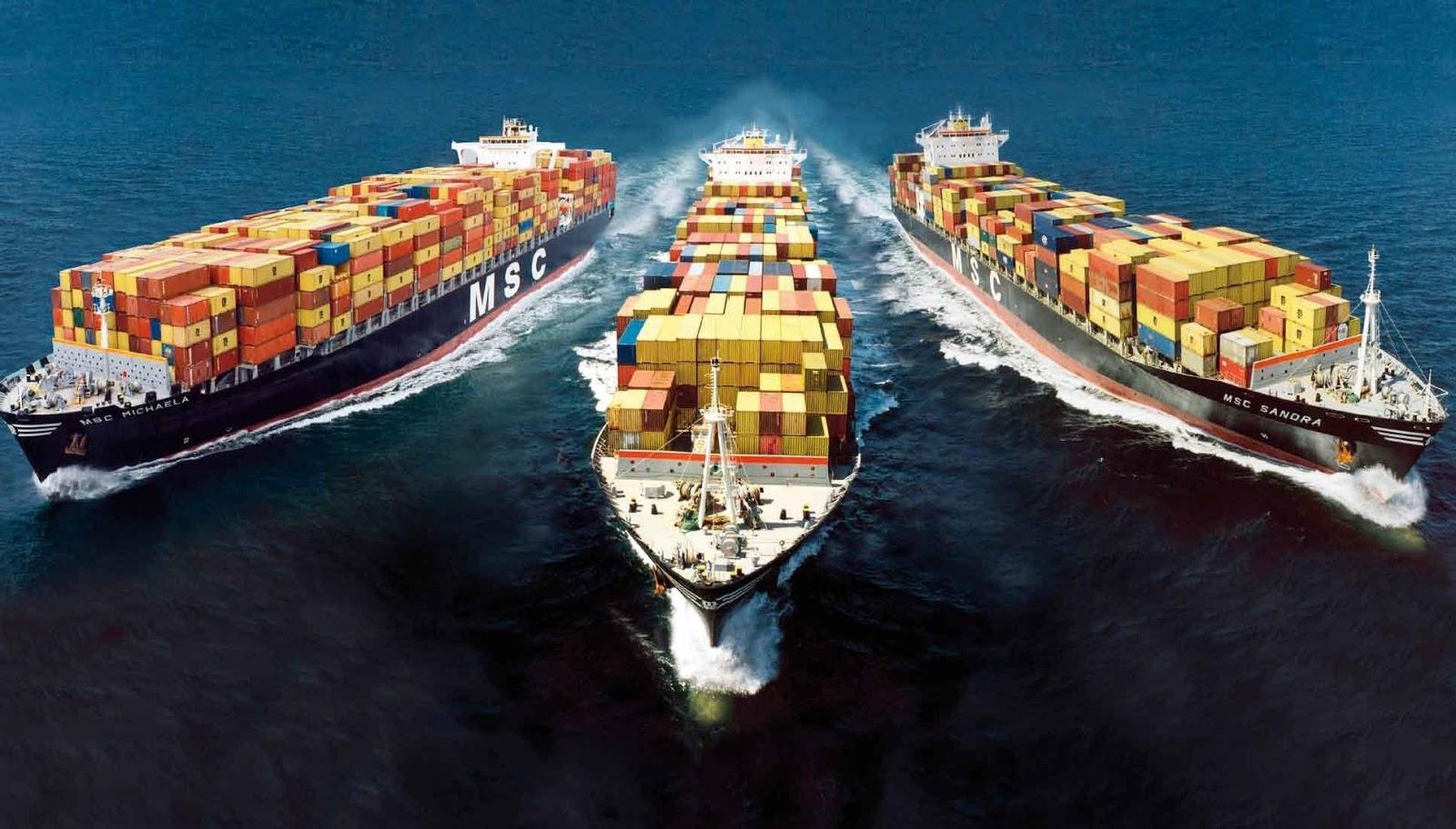 nên tìm hiểu về các chi phí phải trả khi vận chuyển hàng bằng đường biển