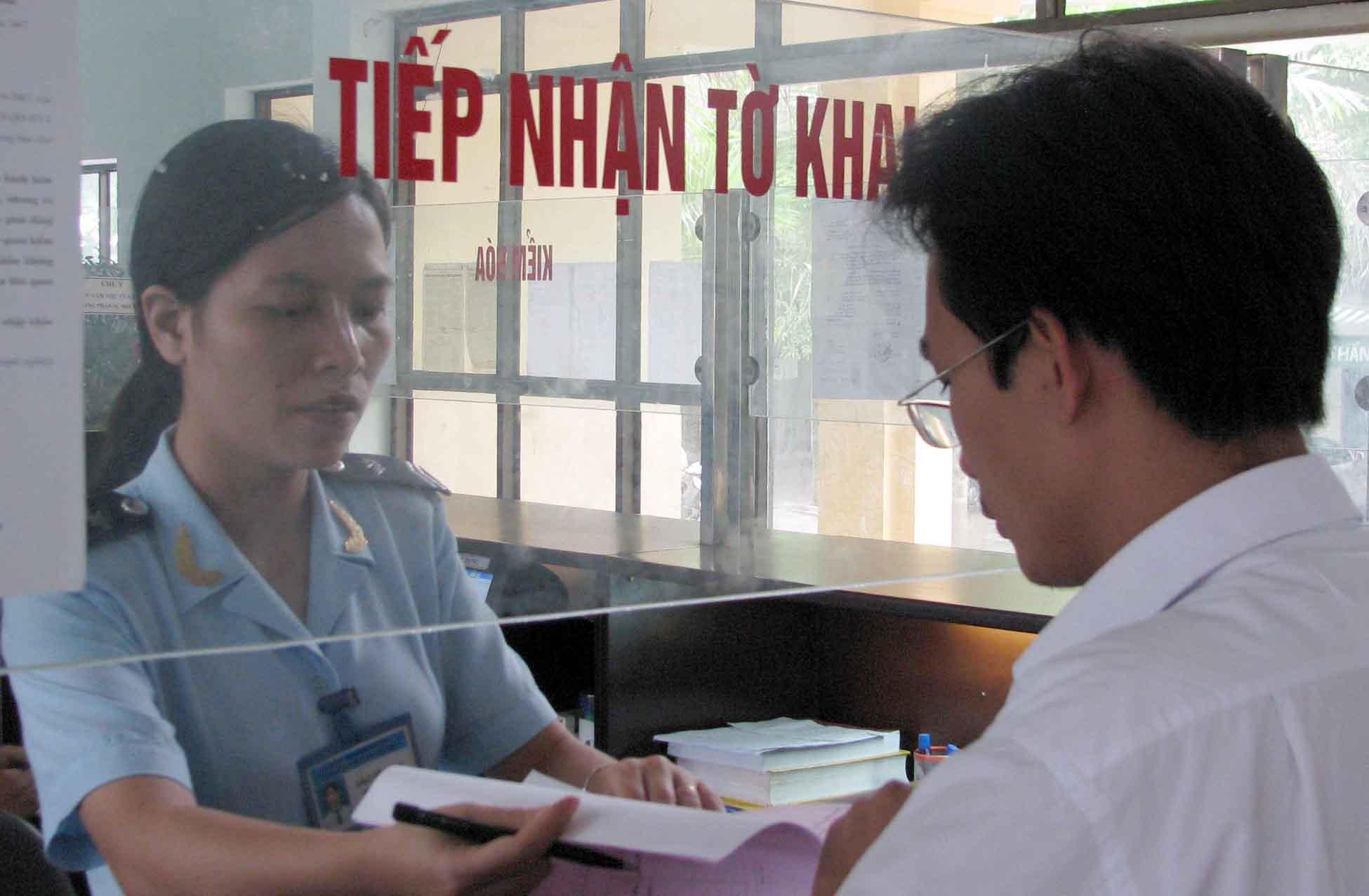 Chi cục hải quan có trách nhiệm xử lý quyết định hình thức và mức độ kiểm tra.